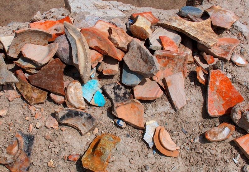 Артефакты на городище Отрар.