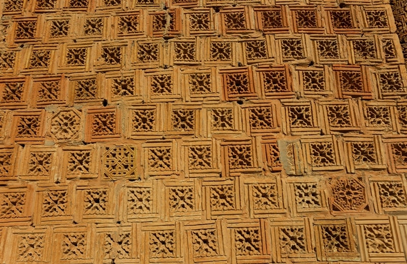 The Terracotta tile on mausoleum Aisha-Bibi.