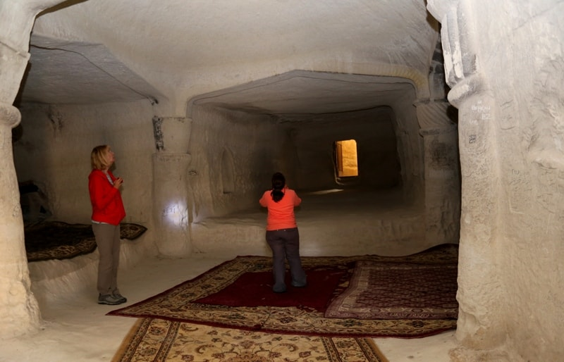 Underground mosque Shakpak-ata.
