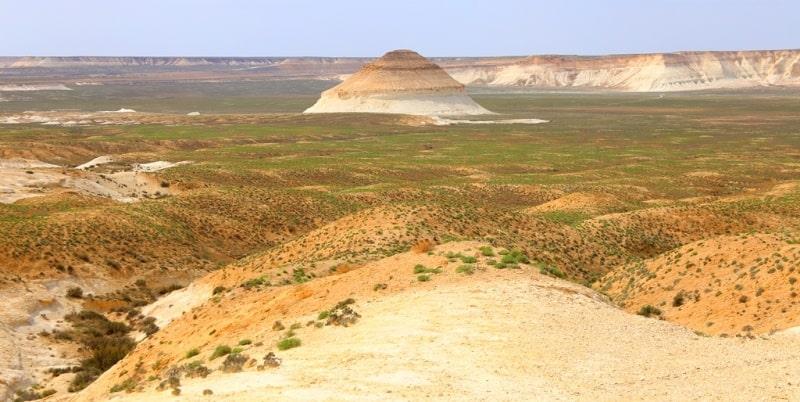 Vicinities of the Ortasha plateau of Boszhira. Mount Shoky Tau.