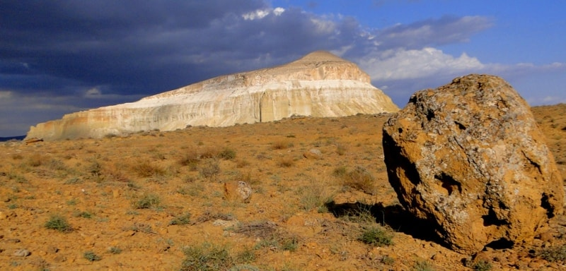 Alone costing mountain, the unusual form, in 170 kilometers from the city of Aktau.
