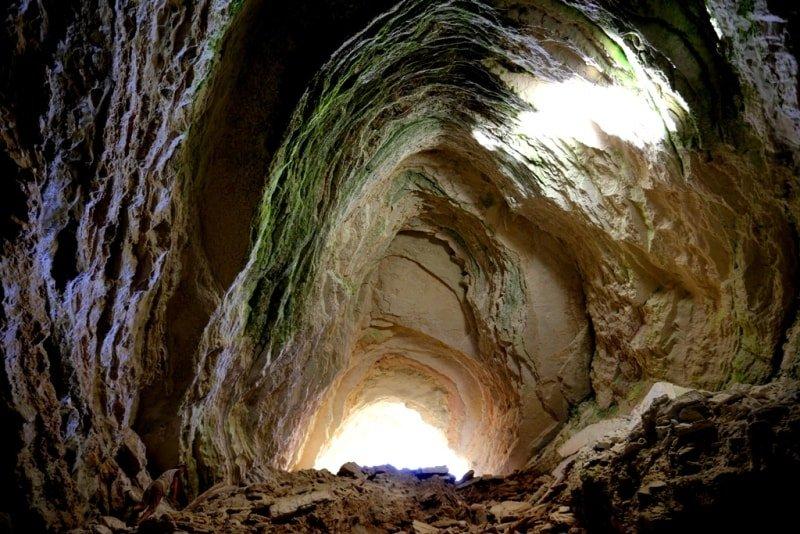 Utebai cave on Mangyshlak.