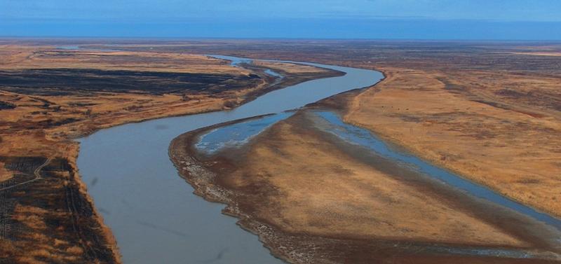Вид на реку Сыр-Дарья с вертолета.