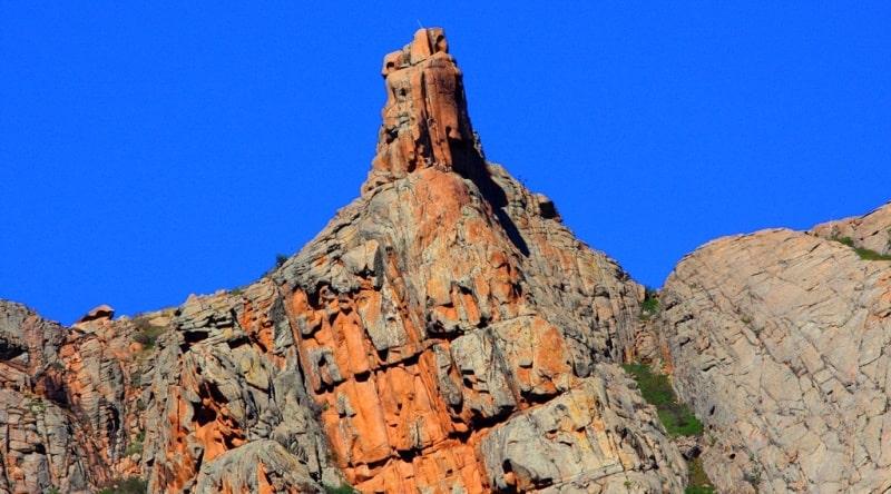 The Kyzylarai mountain range.