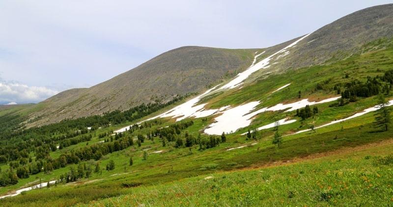 Natural sights of the Kholzun ridge.