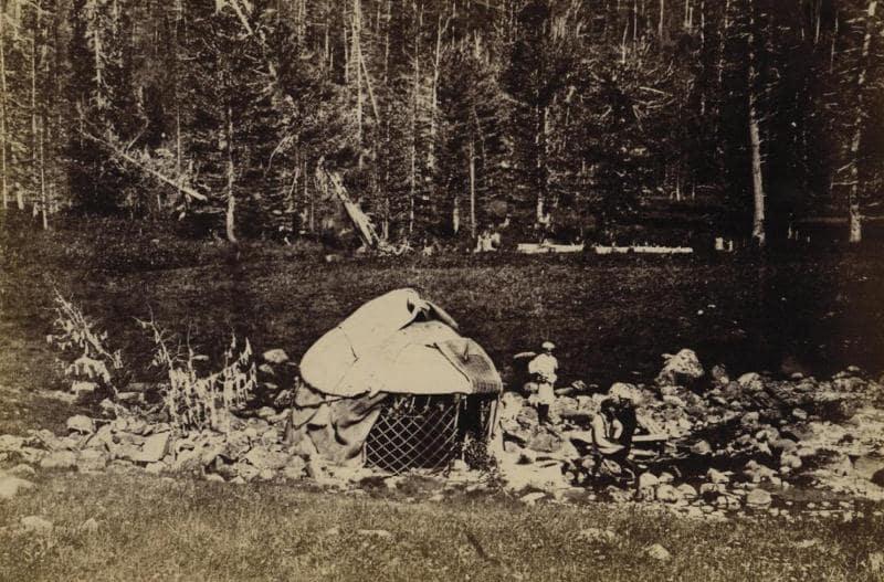 Рахмановские теплые ключи. Снимок выполнила фотограф Л.К. Полторацкая, 1876 г.
