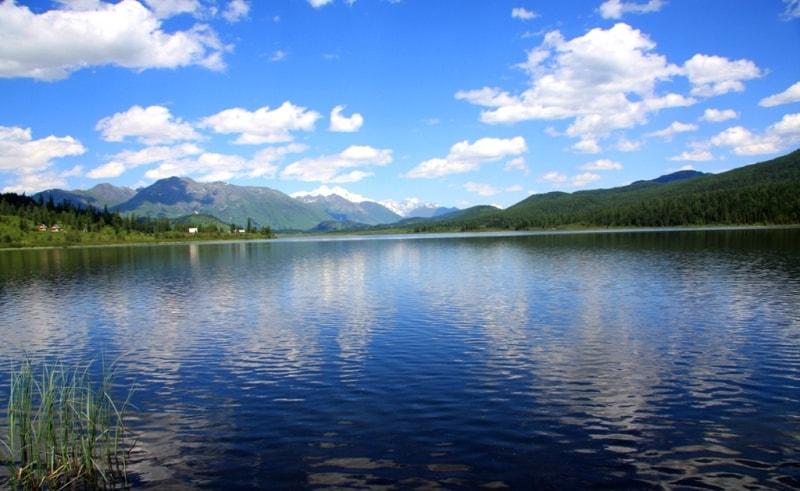 哈萨克斯坦著名景点介绍:亚兹维湖
