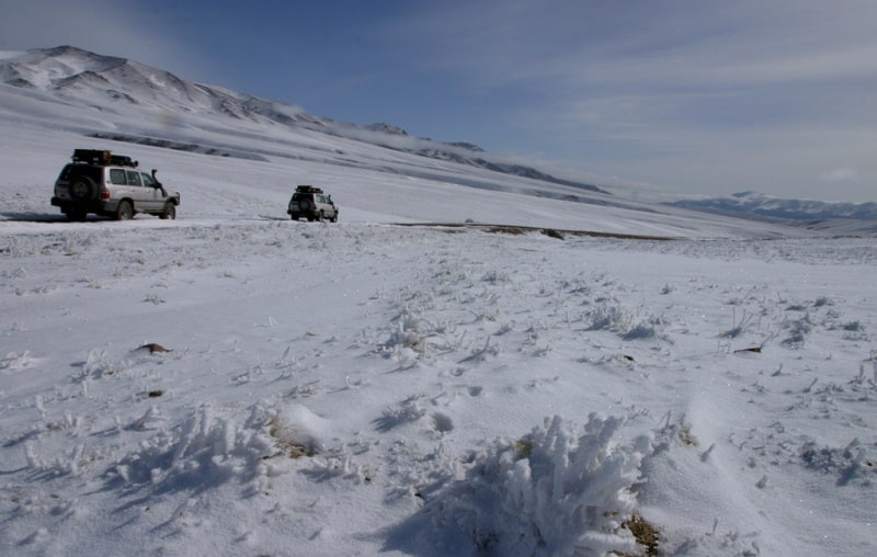 Snow silence. We come back to Bartogay. The avalanche did not manage to be overcome.