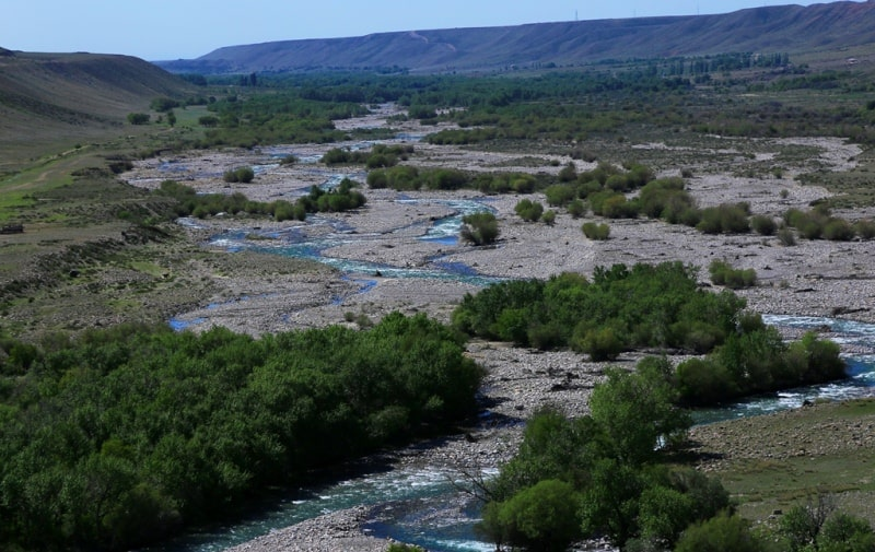 The river Usek also its vicinities.
