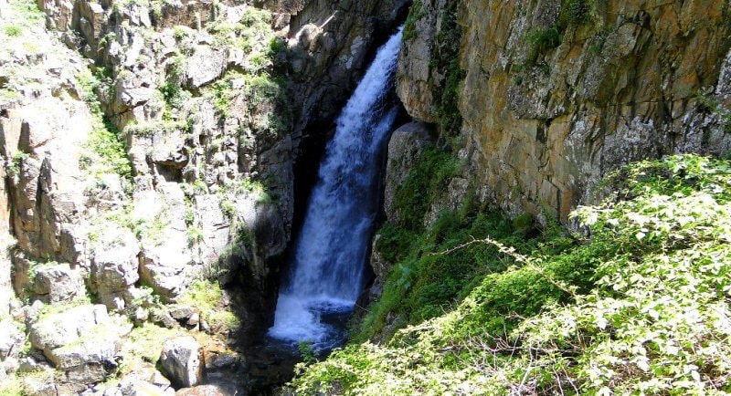 Environs of Uzun-Kargaly waterfall and gorge.