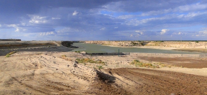 Aklak hydraulic project and environs.