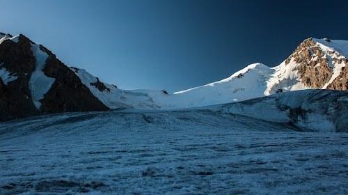 Перевал Чиликский в районе ледника Пальгова.