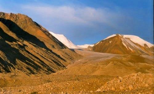 Ледник Жангырык.