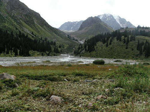 По реке Левый Талгар.