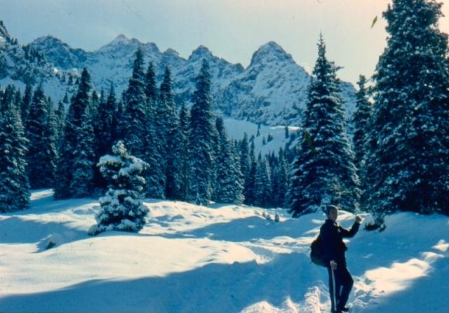 Окрестности урочища Туюксу зимой. 1983 год.