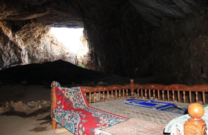 Ak-Mosque cave.