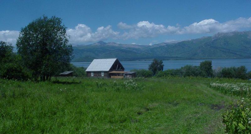 Окрестности и достопримечательности озера Маркаколь.