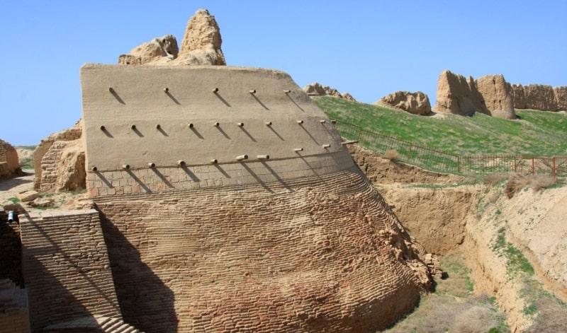 Sauran fortress.