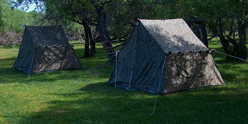 2-seater tents for the base camp without platform.