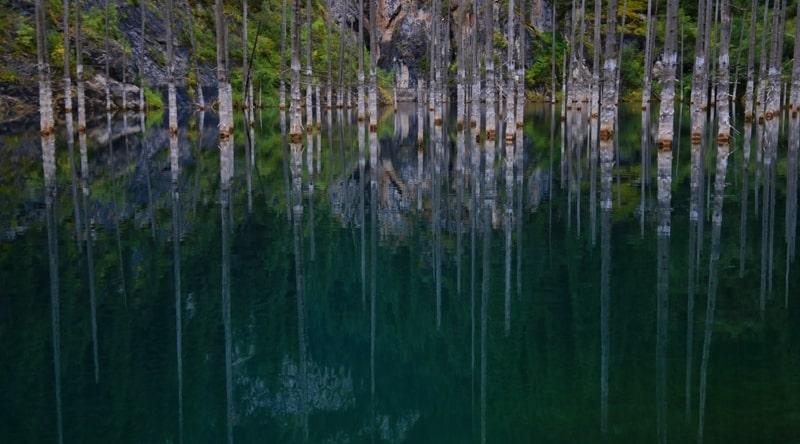 Озеро Каинды. Алматинская область.