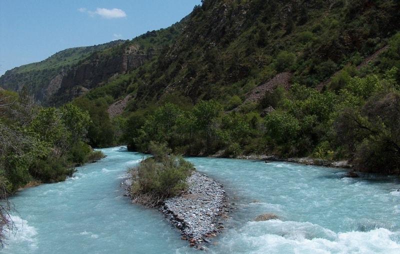 Река Аксу.