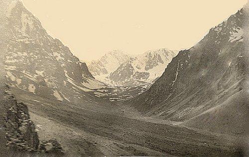 Верховья ущелья Средний Талгар. 1978 год. Фото Степан Сущенко.