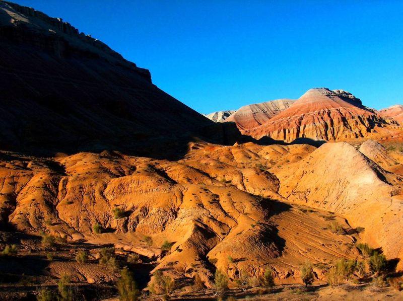 Горы Актау в национальном парке Алтын-Емель.
