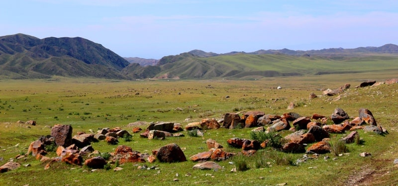 Altyn-Emel ridge and surroundings.