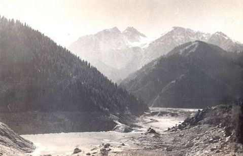 Lake Issyk after lodging per 1963.