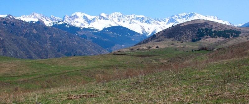Natural sights gorge Kaskelen.