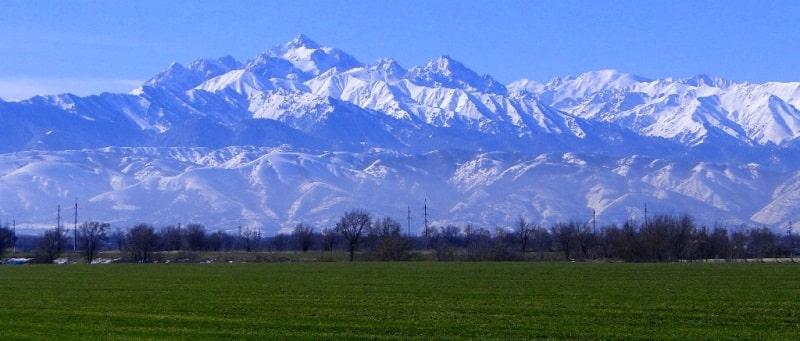Вершины Заилийского Алатау и их окрестности.