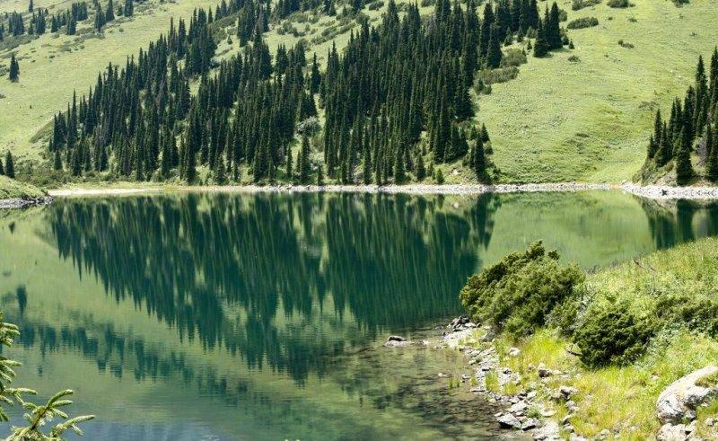 Верхнее озеро Кольсай.
