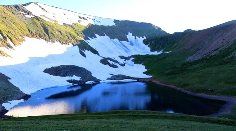 Белоубинское Третье озеро и его окрестности.