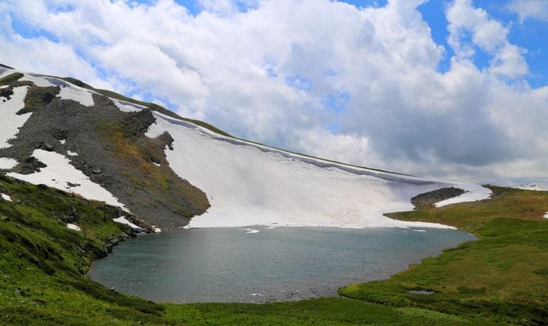 Четвертое Холзунское озеро и его окрестности.
