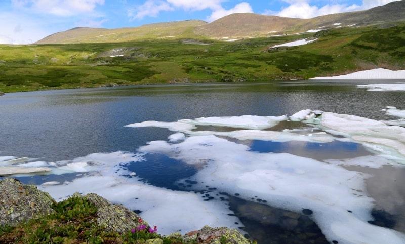 The Third Kholzun lake and environs.