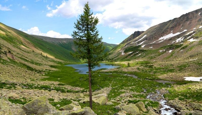 Первое Тургусунское озеро  и его окрестности.