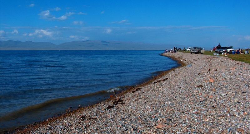 Западное побережье озера Сонг-Куль.