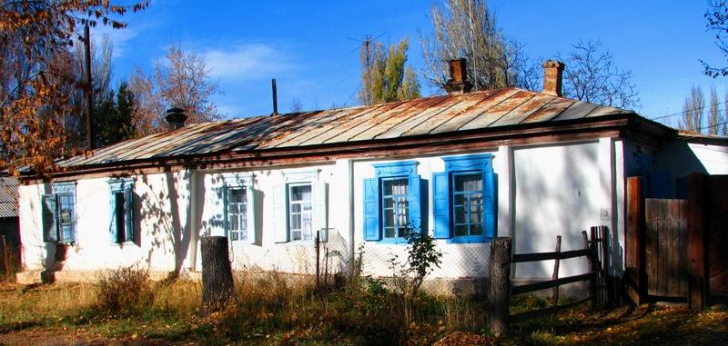 Типичный дом конца XIX начала XX веков в Караколе.