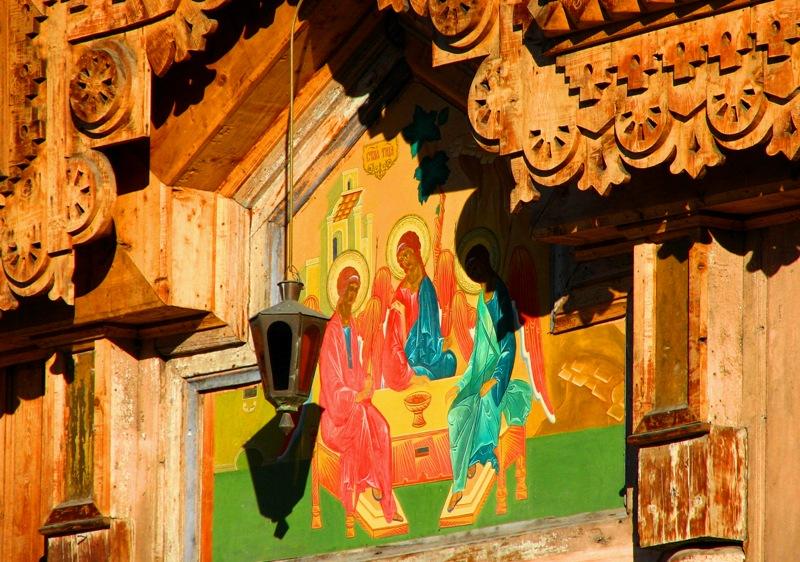 Троицкая православная церковь в Караколе.