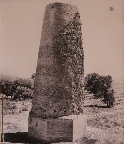 Burana tower after partial reconstruction. 1927-1928.