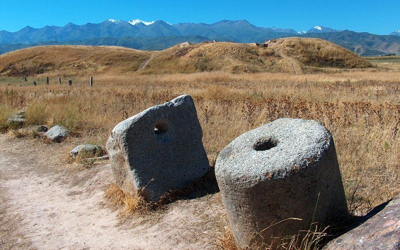 The stone instruments of labor found in vicinities of the Tower Burana complex.