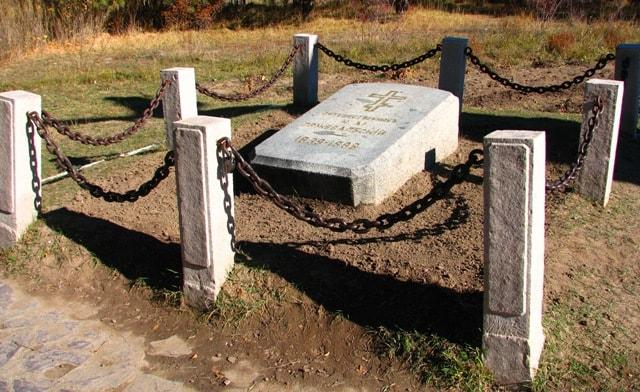 Надгробие на могиле Пржевальского.