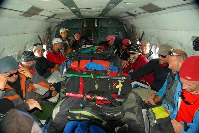 Возвращение на вертолете в базовый лагерь «Каркара».