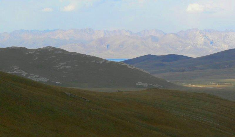 В долине Ак-Сая.