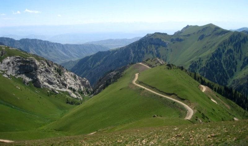 Окрестности перевала Молдо-Ашуу.
