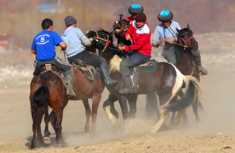 Kyrgyz national game to a kokbor.
