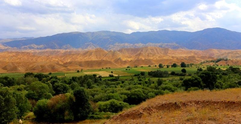 Окрестности перевала Торугарт. Хребет Атбаши. Нырынская область.