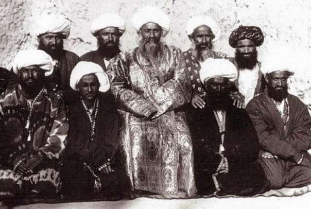 Портрет группы мужчин около Самарканда. 1876 - 1897 г.г. Фотография члена Русского географического общества полковника Леона Борщевского (1849 – 1910 г.г.).