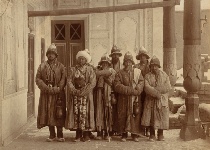 С. М. Прокудин-Горский. Монахи (дуване) в Каландар-Ханэ.