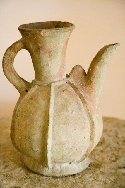 Ceramic vessel. XIX century.